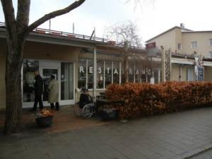 09-restaurant-2